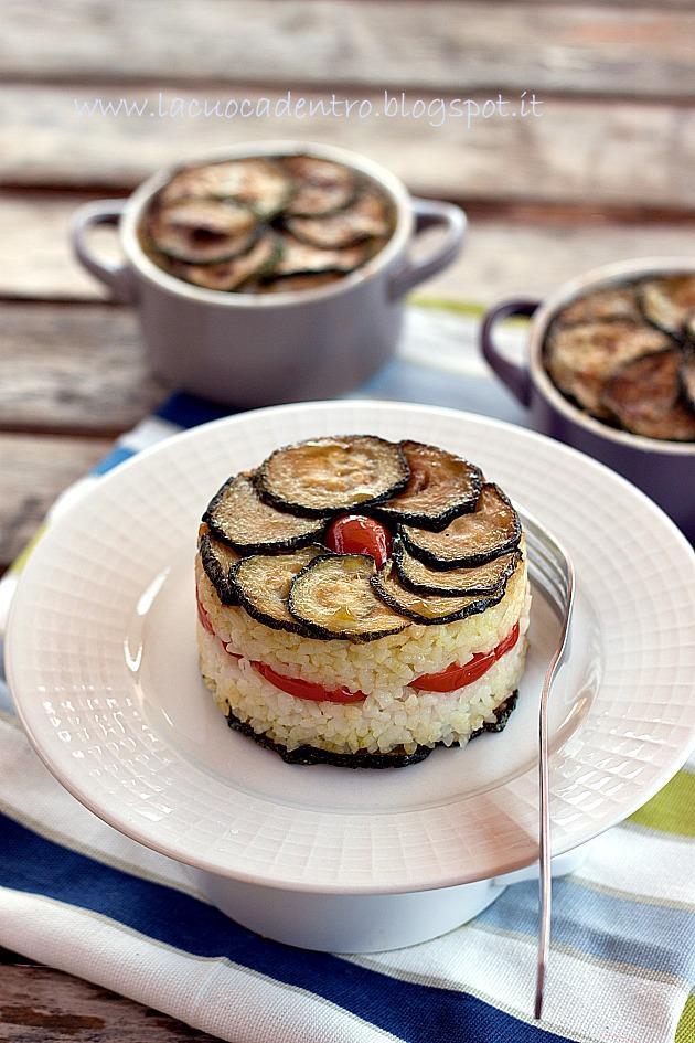 Tortino di riso e zucchine, con pomodori datterini e caciocavallo del Cilento