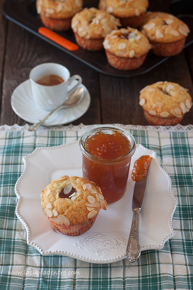 Muffins mandorle e albicocche