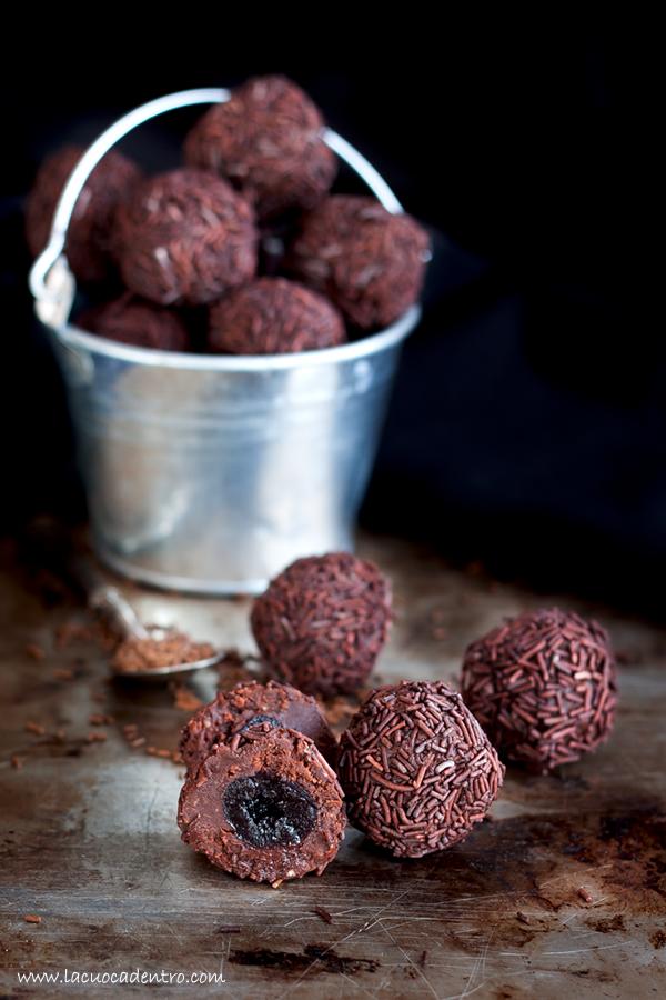 Tartufi alle castagne cioccolato e amarene