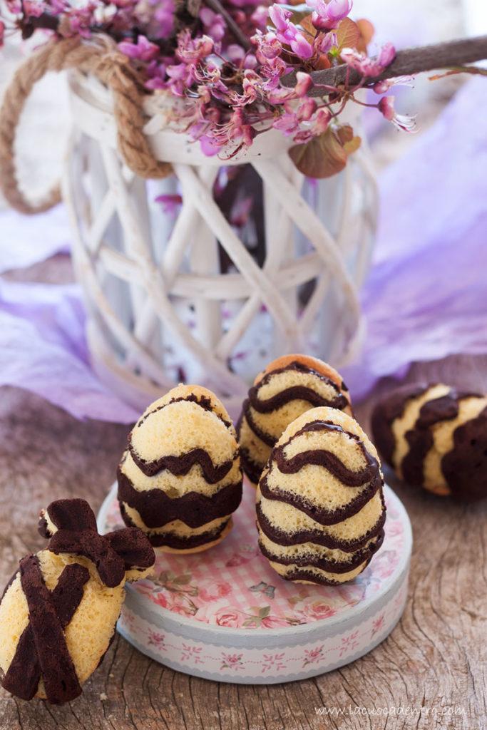 Ovetti di biscuit ripieni di ganache al cioccolato