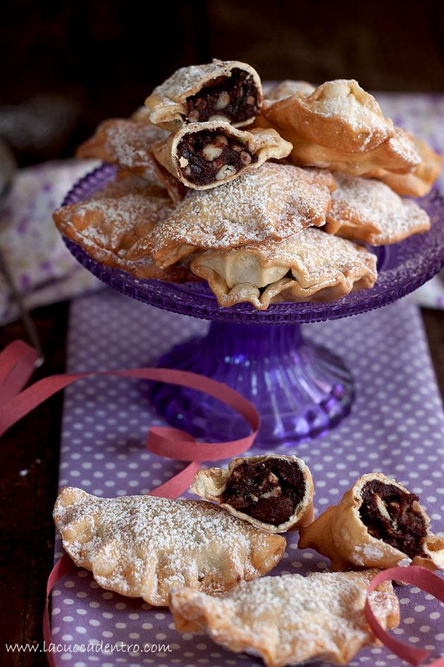 Ravioli fritti cacao e pinoli